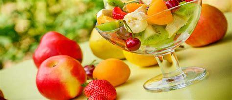 alat untuk membuat salad buah nutrisi cara mengkonsumsi buah yang baik untuk kesehatan
