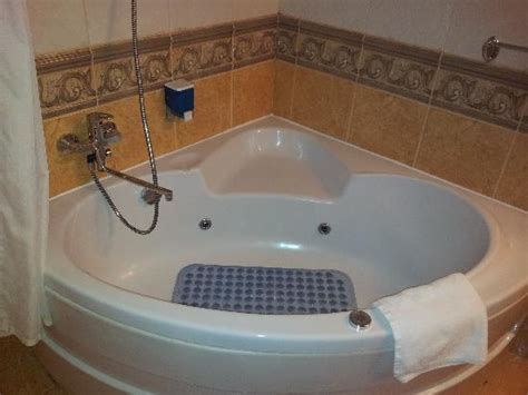 hotels with bathtubs for two jacuzzi bath picture of ambassador hotel timisoara
