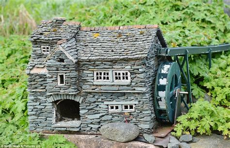 Miniature Cottages by Builder Scales His Work And Creates Three Miniature