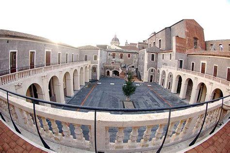 cortile platamone siciliamia net catania storica