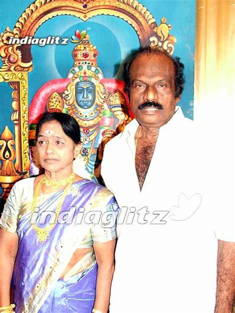 actor goundamani family photos video comedian goundamani s daughter wedding coverage tamil