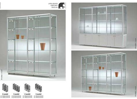 illuminazione vetrine negozi 08 vetrine per negozi con profili e illuminazione lv01