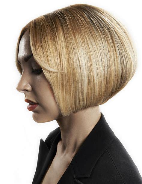 mikado hairstyle 218 čes bob vlasy a 218 česy