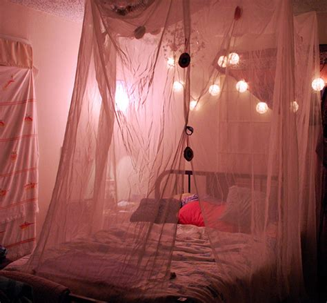 string lights for bedroom how to make 6 string lights ideas for your bedroom