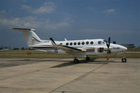 beechcraft king air 350i specifications planes