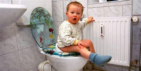 wann kommen die zähne bei kindern juckreiz wann eltern bei ihrem an w 252 rmer denken sollten