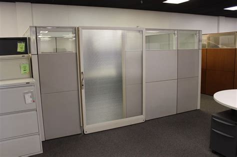 Cubicle With Door by Office Cubicles With Doors Ideas Modern Office Cubicles