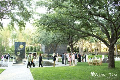Sculpture Garden Dallas by Dallas Wedding Photographer Nasher Sculpture Center Garden Wedding
