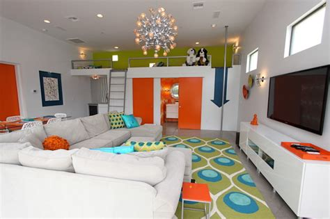 Play Interior Design For Free by Play Guest House Family Room