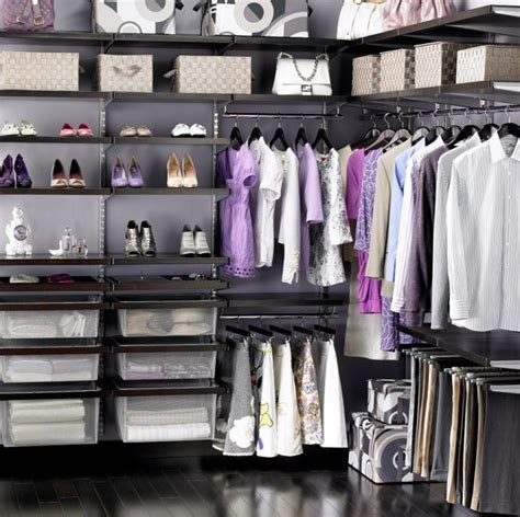 organizing a walk in closet efficiently organizing your closet to find your items quicker
