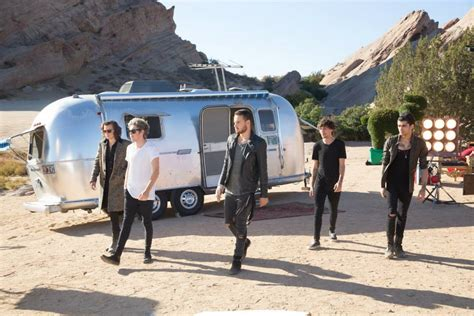 one direction steal my girl one direction sul set di steal my girl fra lottatori di