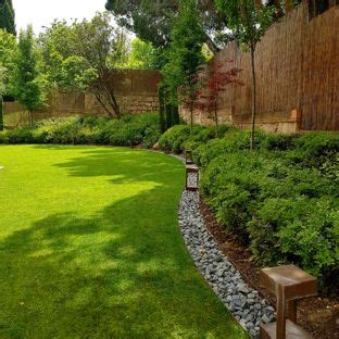 contemporary backyard landscaping ideas 75 backyard landscaping ideas explore backyard
