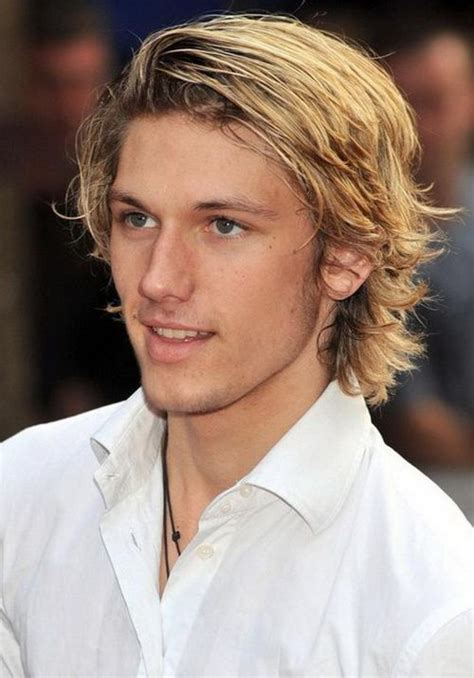 Alex Pettyfer Hairstyle by 2017 Alex Pettyfer S Light Medium Layered And
