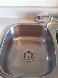 leslie s tips for how to clean sink stains coffee
