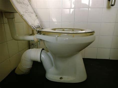 nieuwe afvoer toilet afvoer toilet nieuwe aansluiting wc