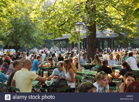 Englischer Garten Biergarten Parken by Garden Chinesischer Turm Tower Englischer Garten