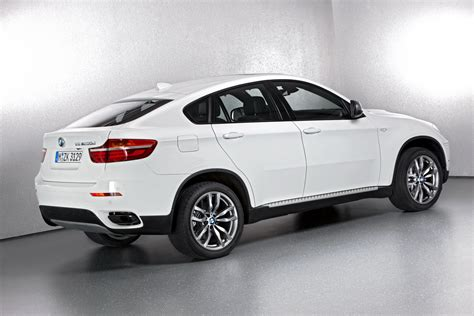 how to work on cars 2013 bmw x6 m engine control 2013 bmw x6 m50d equipment list revealed autoevolution