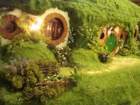 hobbits home paradis express hobbit hole