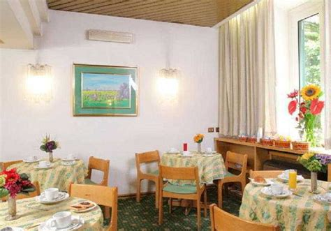 pavia hotel roma h 244 tel pavia 224 rome 224 partir de 17 destinia