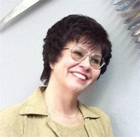 womens short and medium haircuts hair salon services