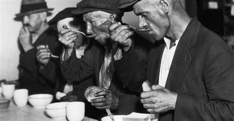 Soup Kitchen Great Depression by Soup During Great Depression 2 Soup Kitchens