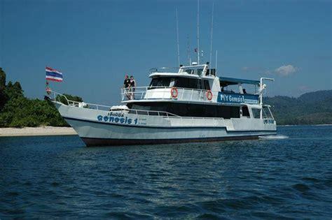boats online genesis genesis similan islands liveaboard diving thailand