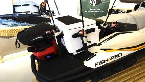 sea doo boats pros and cons a pesca con la moto d acqua si pu 242 con seadoo fish pro