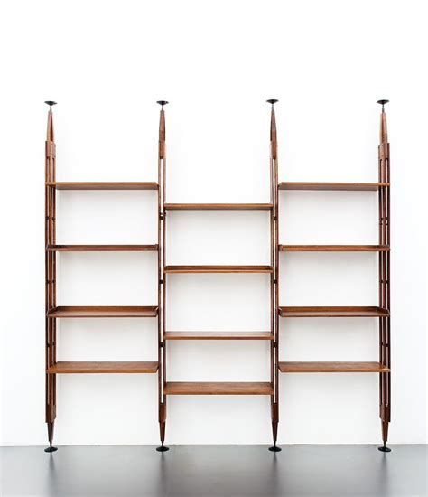 montanti scaffali metallici pi 249 di 25 fantastiche idee su ripiani in legno su