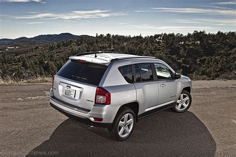 compass jeep 2011 2011 jeep compass gets to european dealers