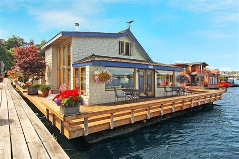 buying a house in seattle sleepless in seattle houseboat on lake union