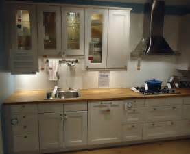 How To Design Kitchen Cabinets by File Kitchen Design At A Store In Nj 5 Jpg Wikimedia Commons