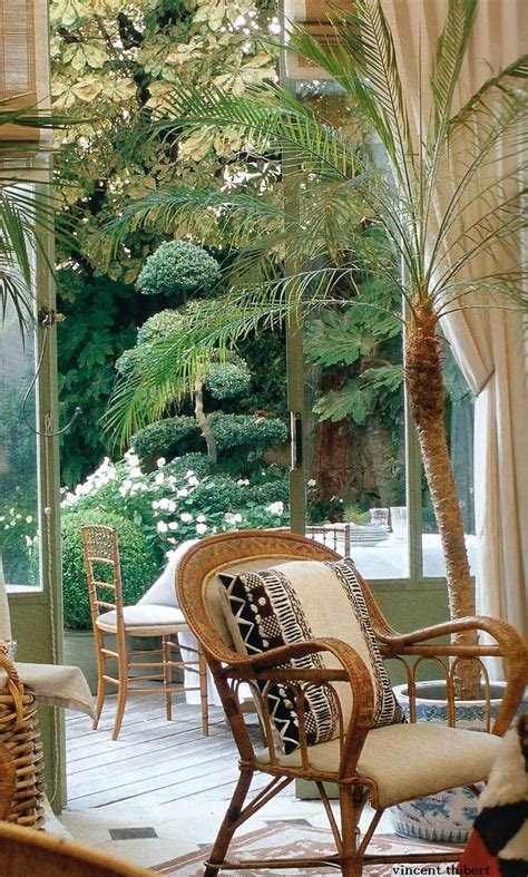 love  colonial chair  potted palms  great