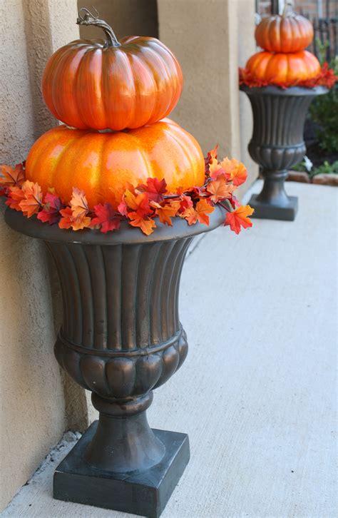 pumpkin topiary ideas easy outdoor pumpkin topiaries