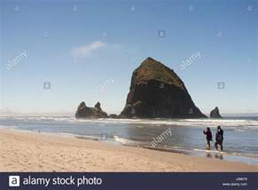 haystack rock tolovana beach state wayside cannon beach