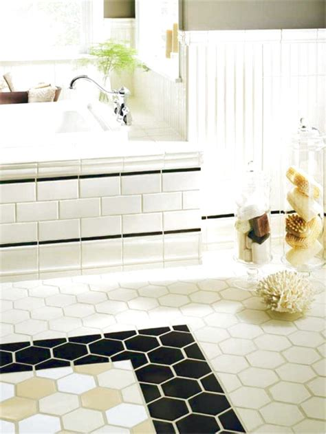 Badezimmer Mit Unterschiedlichen Fliesen by 30 Ideas On Using Hex Tiles For Bathroom Floors