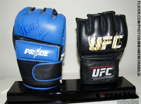 layout gloves vs friction gloves do you guys think there s a problem with the ufc gloves or