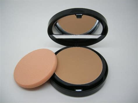 Duo Mat Powder Foundation by Makeup Forever Duo Mat Powder Foundation Shade 200