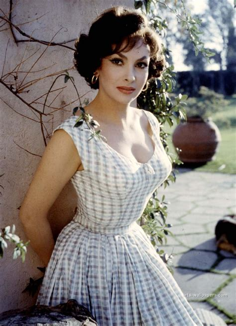 actress gina love those classic movies in pictures gina lollobrigida