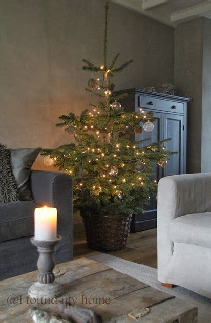 tree living room pin by bij guusje thuis on guusje x kerst trees and rustic
