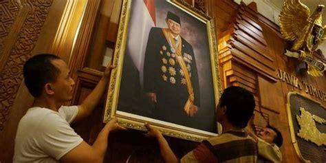 profil jokowi jk jokowi jk dilantik foto sby boediono di grahadi