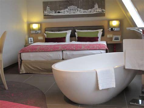 Hotel Mit Badewanne Im Zimmer by Quot Badewanne Im Zimmer Quot Hotel Gendarm Nouveau In Berlin
