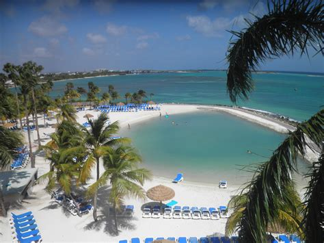 Hotel Review: Renaissance Aruba Resort & Casino   Points Miles & Martinis