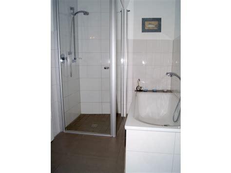 bodenablauf für dusche 2050 dusche holzboden raum und m 246 beldesign inspiration
