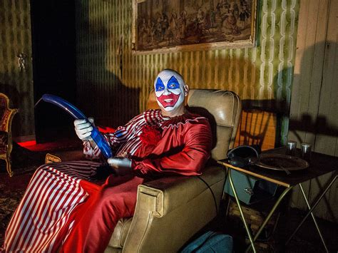 rob zombie haunted house john wayne gacy room in illinois haunted house stirs controversy people com