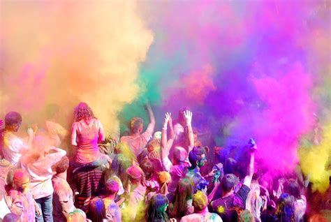 the festival of holi of distinction