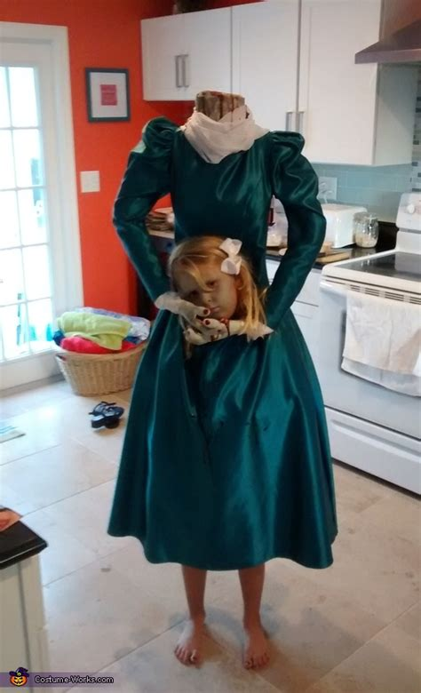 headless lady costume photo