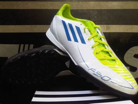 Sepatu Nike Free 0 5 For Biru sepatu futsal nike bomba putih hitam biru