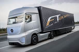 Mercedes Truck And Mercedes Future Truck 2025 Envisions Self Driving Big Rigs