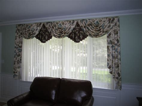 Swags And Cascades Curtains Swags And Cascades Curtains Swags And Cascades 3 Traditional Swags And Cascades With Drapes