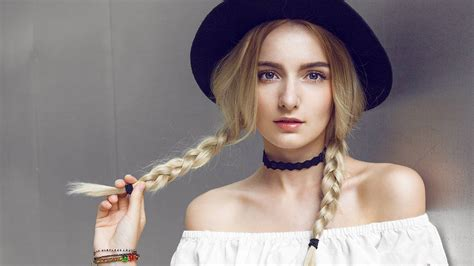 How to Make Pigtails Look Chic   L'Oréal Paris